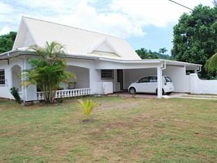 Chez Augustine Guest House