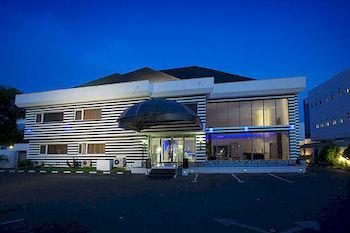 SUMMERSET CONTINENTAL HOTEL MAITAMA