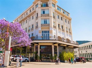 LOUVRE HOTEL & SPA