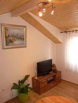 House Sandra - Guest House