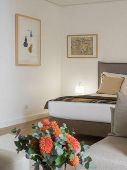 Ascensor Da Bica - Lisbon Serviced Apartments
