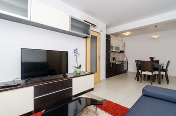 APARTMENTS CARMELITTA