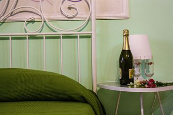 4 SEASON BED AND BREAKFAST ROMA