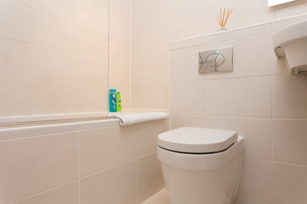 1 BEDROOM FLAT IN SOUTH KENSINGTON