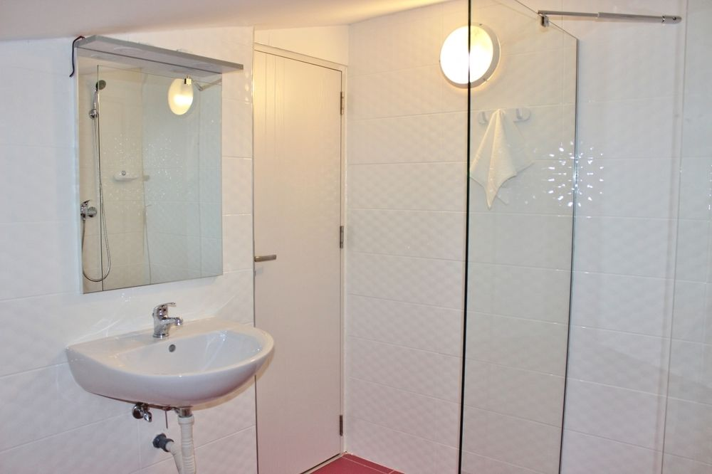 Central Guesthouse Bucharest - Adults Only