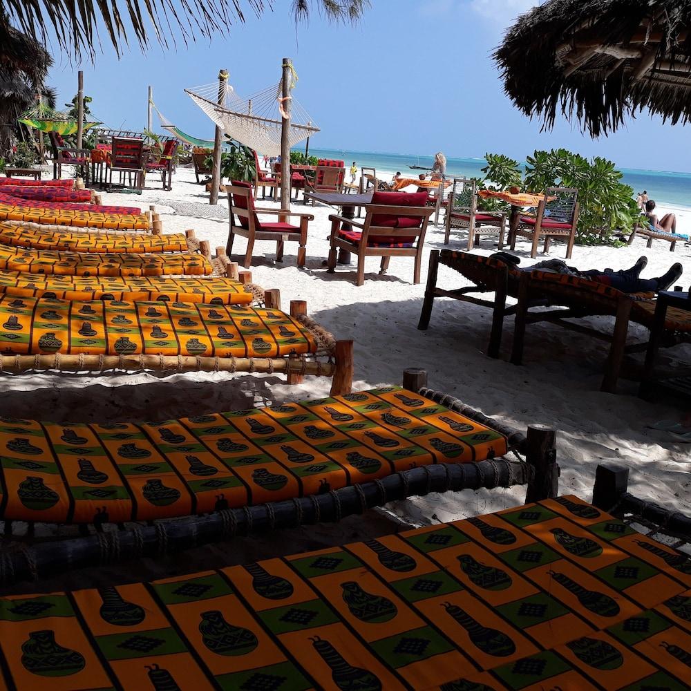 Sipano Beach Lodge