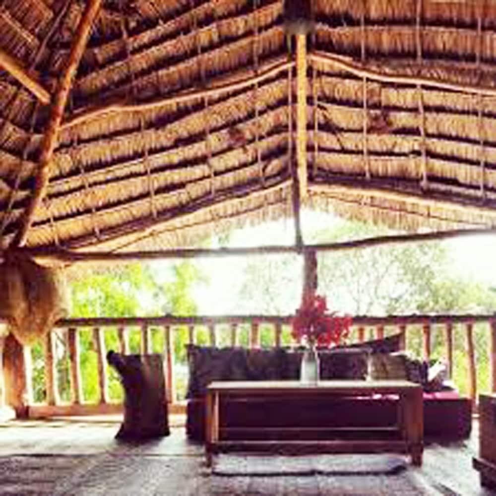 Tuna Lodge