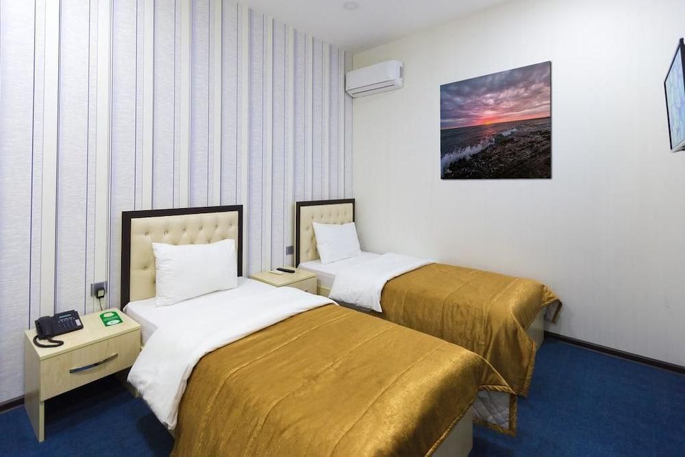 Riva Plaza Hotel